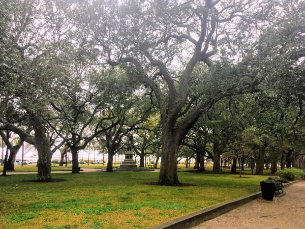 Places To Visit In Charleston, SC: White Point Garden